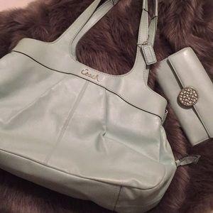 Coach Bags - Coach handbag with wallet